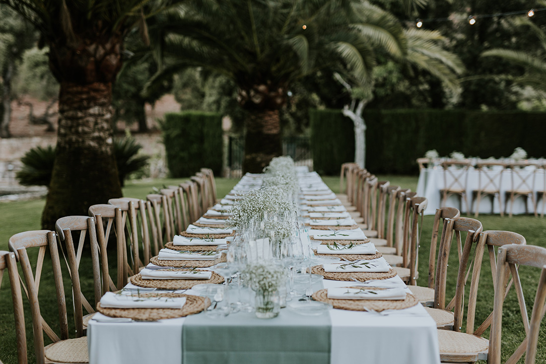 Elegant and rustic set up. Mallorca wedding planner